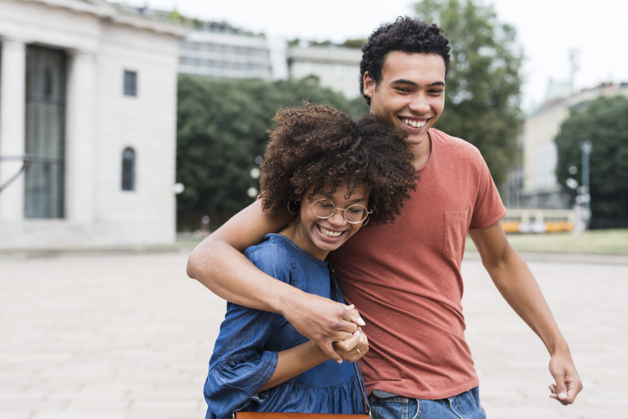 Happy Young Black Couple Having Fun In The City - Redcare